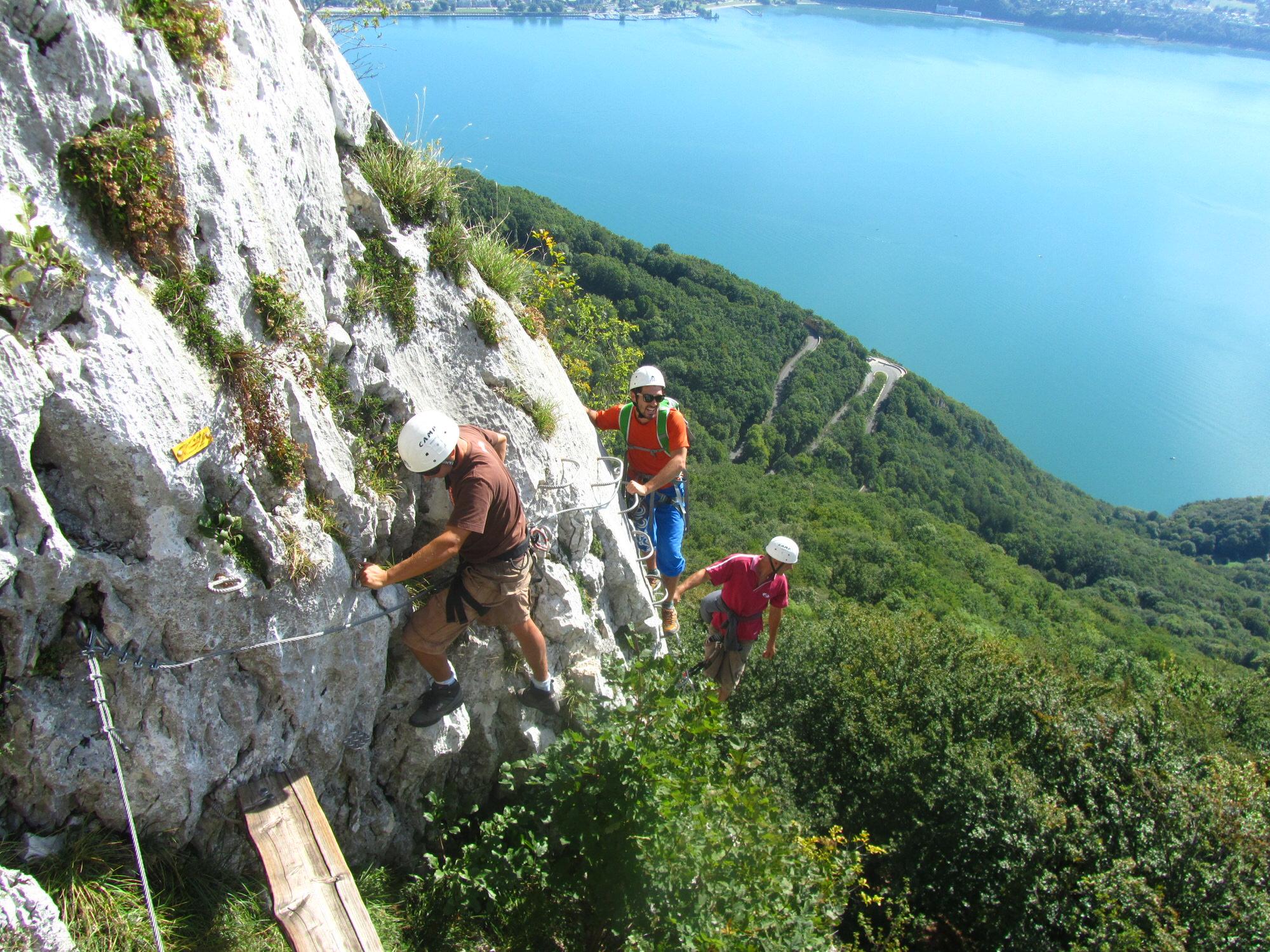 Via ferrata office de tourisme du pays du lac d 39 aiguebelette - Office de tourisme de vias ...